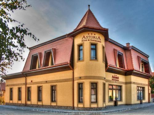 . Astoria Hotel & Restaurant