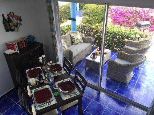. Oceanfront Townhome in Marazul Dive Resort