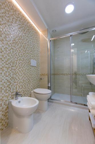 Brezza Marina Luxury Rooms bild7