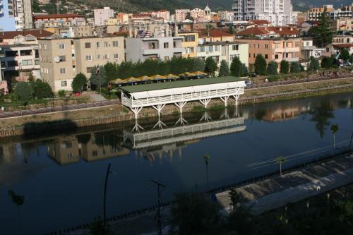 Hotel Siklad, Lezhës