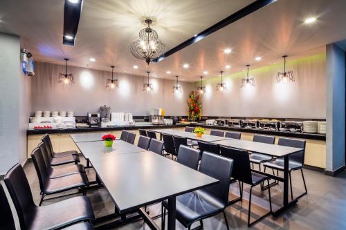 Livotel Hotel Lat Phrao Bangkok photo 14