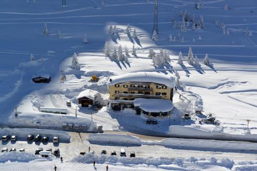 Hotel Dolomiti Passo Tonale