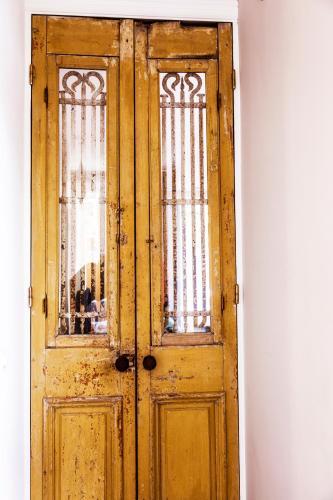 Livia's Hideaway Elegant Apartments photo 48