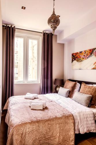 Livia's Hideaway Elegant Apartments photo 50