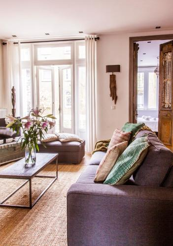 Livia's Hideaway Elegant Apartments photo 54