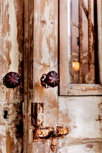 Livia's Hideaway Elegant Apartments photo 56