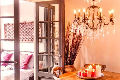 Livia's Hideaway Elegant Apartments photo 13