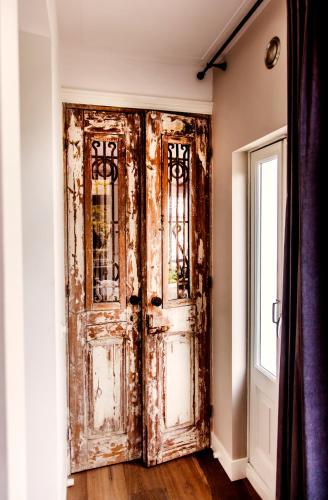 Livia's Hideaway Elegant Apartments photo 61