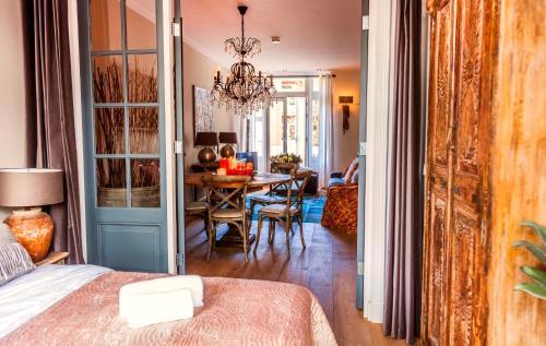Livia's Hideaway Elegant Apartments photo 18