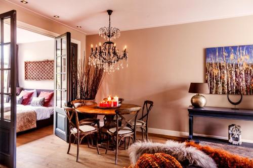 Livia's Hideaway Elegant Apartments photo 23