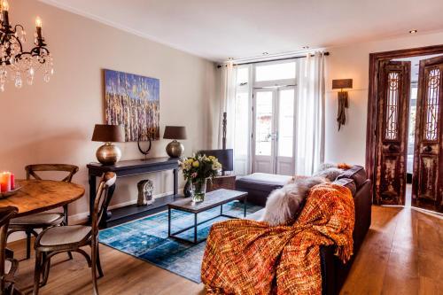 Livia's Hideaway Elegant Apartments photo 68