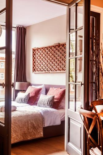 Livia's Hideaway Elegant Apartments photo 25