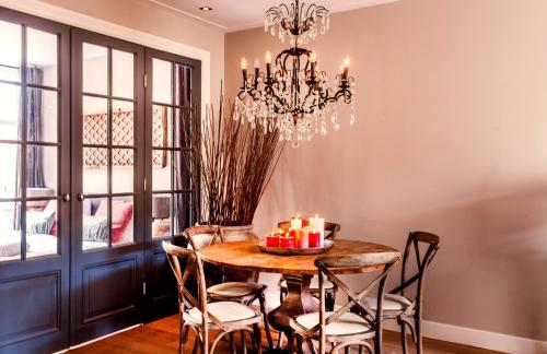 Livia's Hideaway Elegant Apartments photo 26