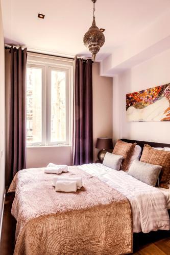Livia's Hideaway Elegant Apartments photo 27