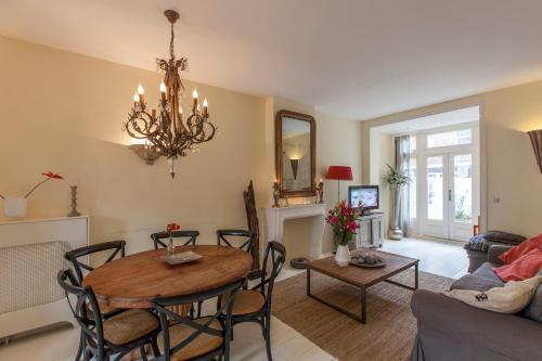 Livia's Hideaway Elegant Apartments photo 28