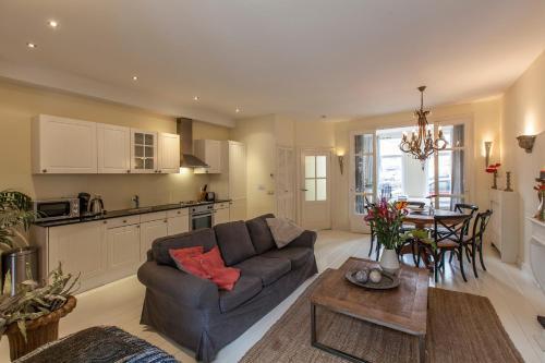 Livia's Hideaway Elegant Apartments photo 29