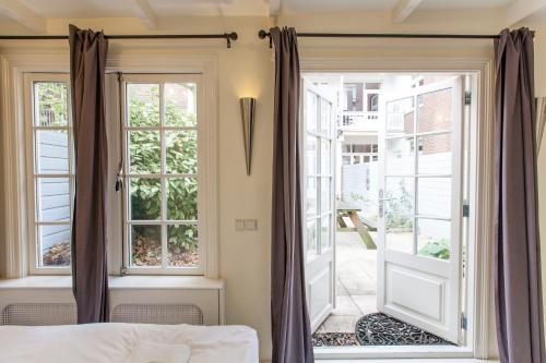 Livia's Hideaway Elegant Apartments photo 77