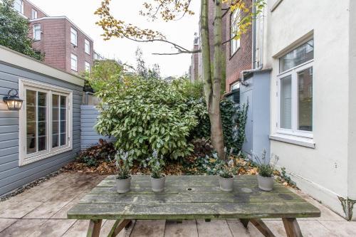 Livia's Hideaway Elegant Apartments photo 78