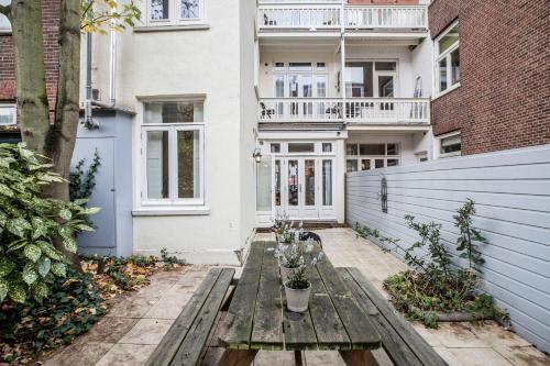 Livia's Hideaway Elegant Apartments photo 34