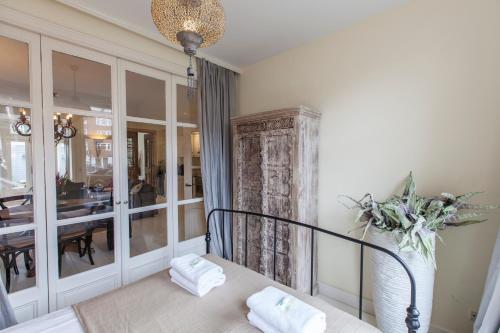 Livia's Hideaway Elegant Apartments photo 79