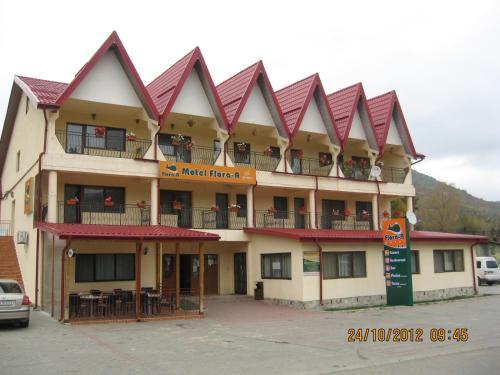 . Motel Flora