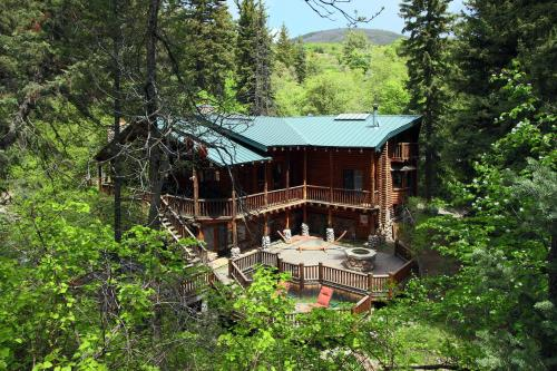 Log Cabin On The Stream - Hotel - Sundance
