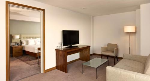 DoubleTree by Hilton Lincoln picture 1 of 26