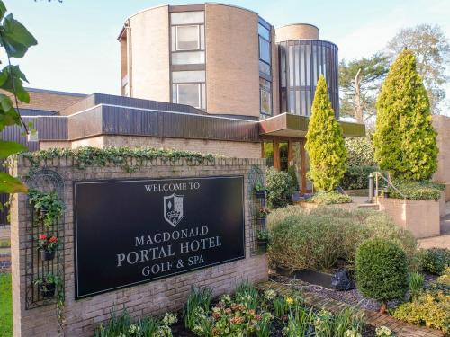 Macdonald Portal Hotel, Golf & Spa Cobblers Cross, Cheshire - Photo 8 of 48