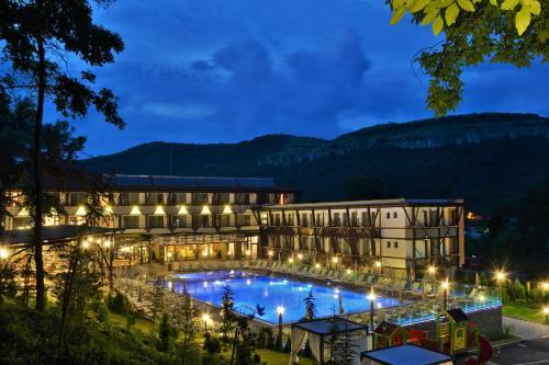 . Park Hotel Asenevtsi