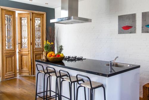 Livia's Hideaway Elegant Apartments photo 82