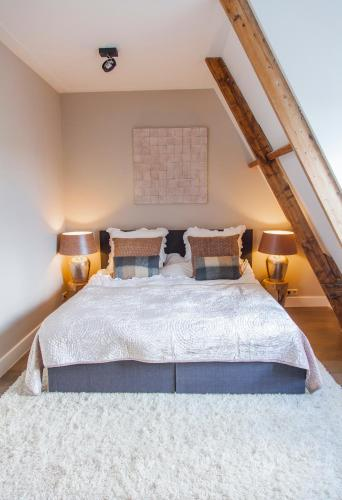 Livia's Hideaway Elegant Apartments photo 40