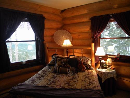 The Garrison Inn - Accommodation - Kalispell