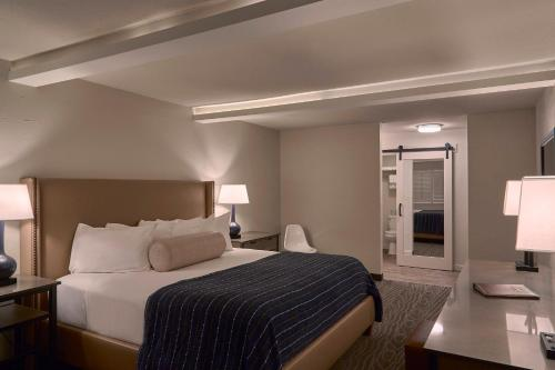 Fredericksburg Inn and Suites rom bilder