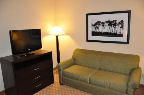 Country Inn & Suites By Radisson Coon Rapids Mn