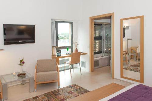 Suite Junior URH - Hotel Molí del Mig 19