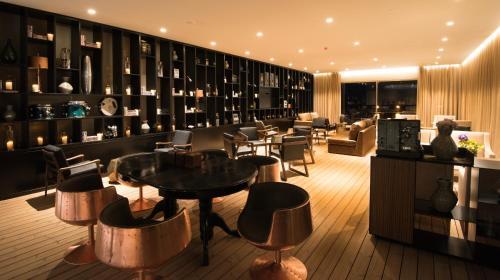 Azor Hotel - Photo 4 of 39