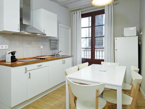 Barcelona Mercaders Apartments photo 41