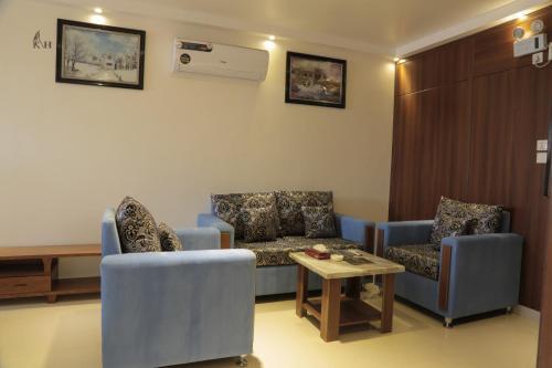 Kadi Apartments,
