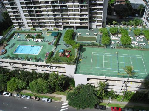 Waikiki Banyan Condo 29th Floor