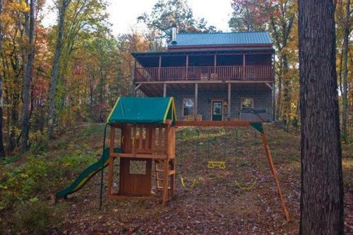 Deer To My Heart Holiday Home - Sevierville, TN 37862