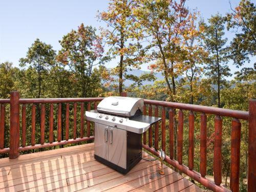 A Touch Of Class Holiday Home - Gatlinburg, TN 37738