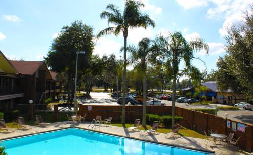 Ramada By Wyndham Temple Terrace/Tampa North - Tampa, FL 33617