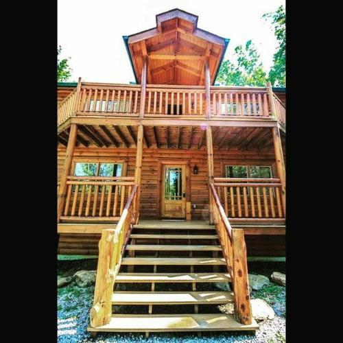Cherokee Pool Lodge Holiday home - Apartment - Jenkins Mill