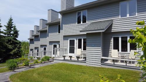 Evergreen Hill Condominiums - Accommodation - Fish Creek