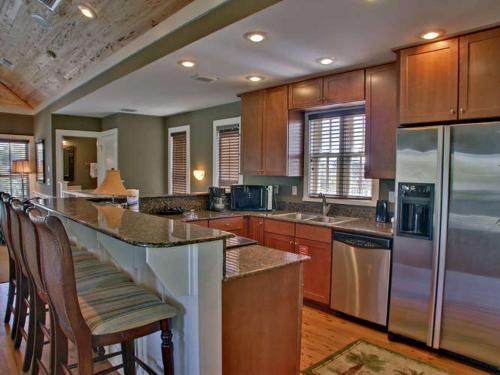 3BR Apartment - MCBTS-113 Patina - Panama City Beach, FL 32413