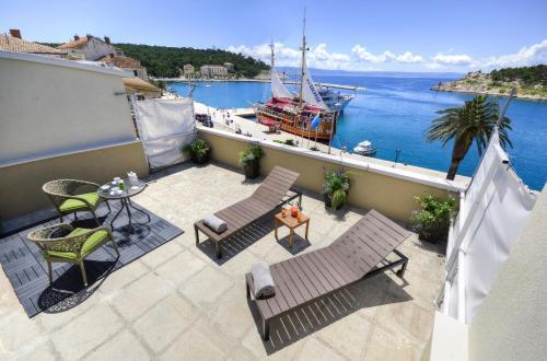 Apartment Mare, Pension in Makarska