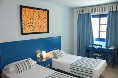 RK Hotel El Cabo стая снимки