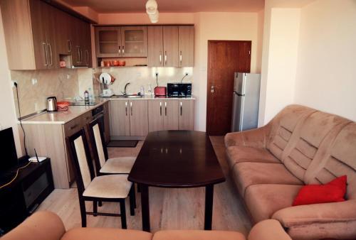 . Apartment Botev