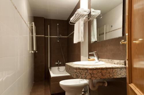 Hotel Cantón photo 33