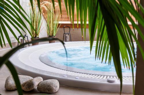 Best Western Les Bains Hotel et SPA - Hôtel - Perros-Guirec